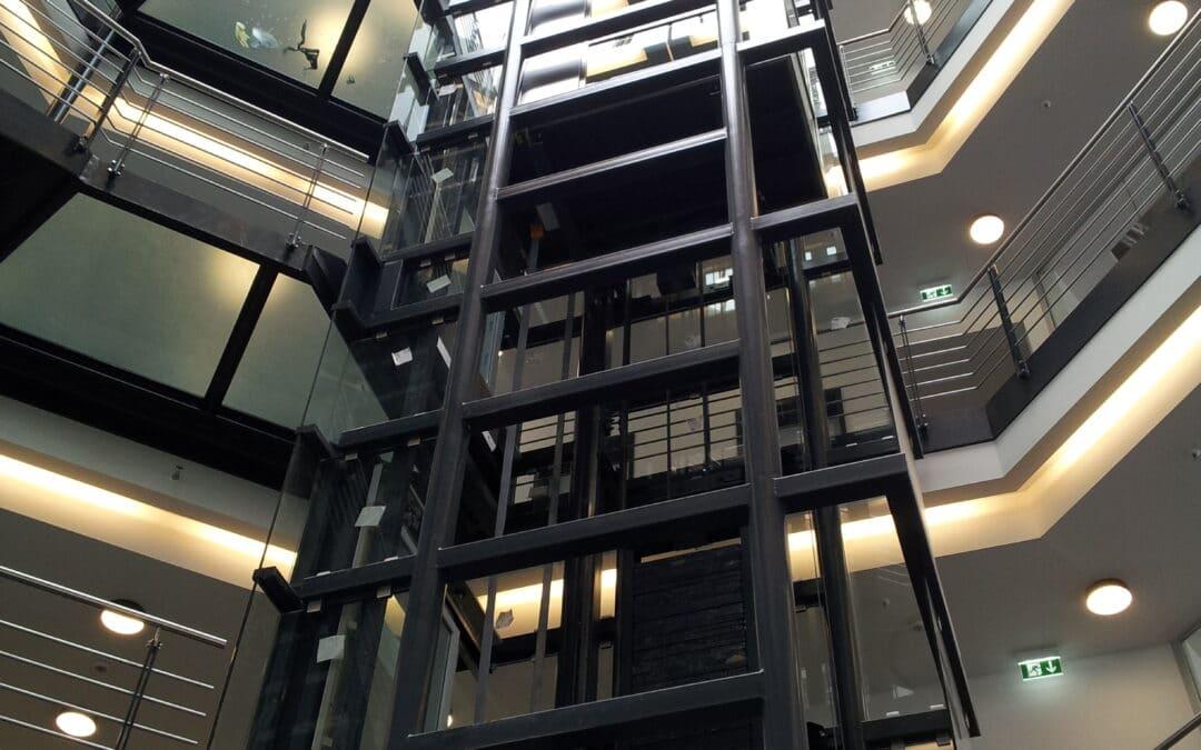 Aufzug aus Glas